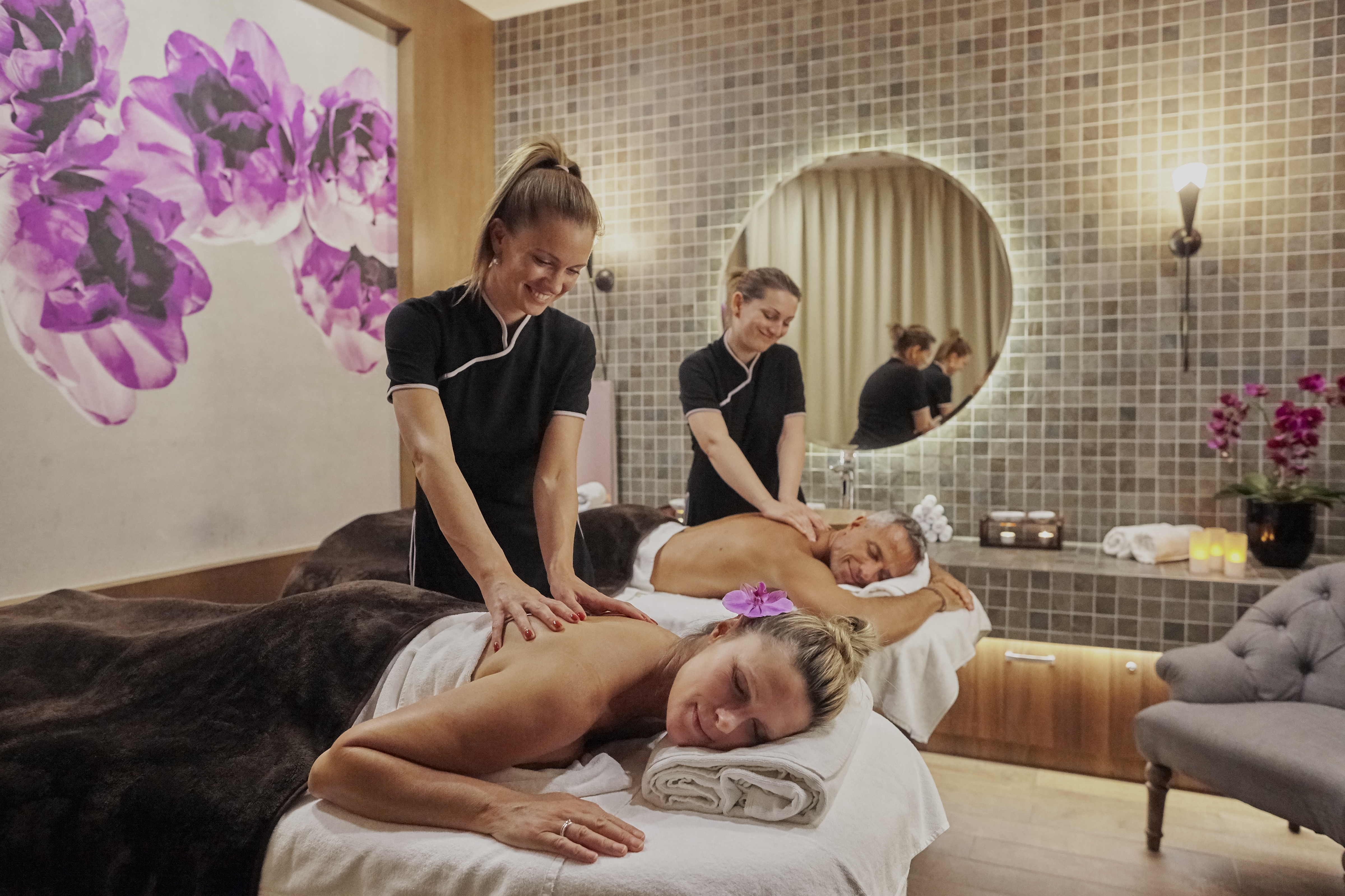 Couples massage in the Harmony Spa